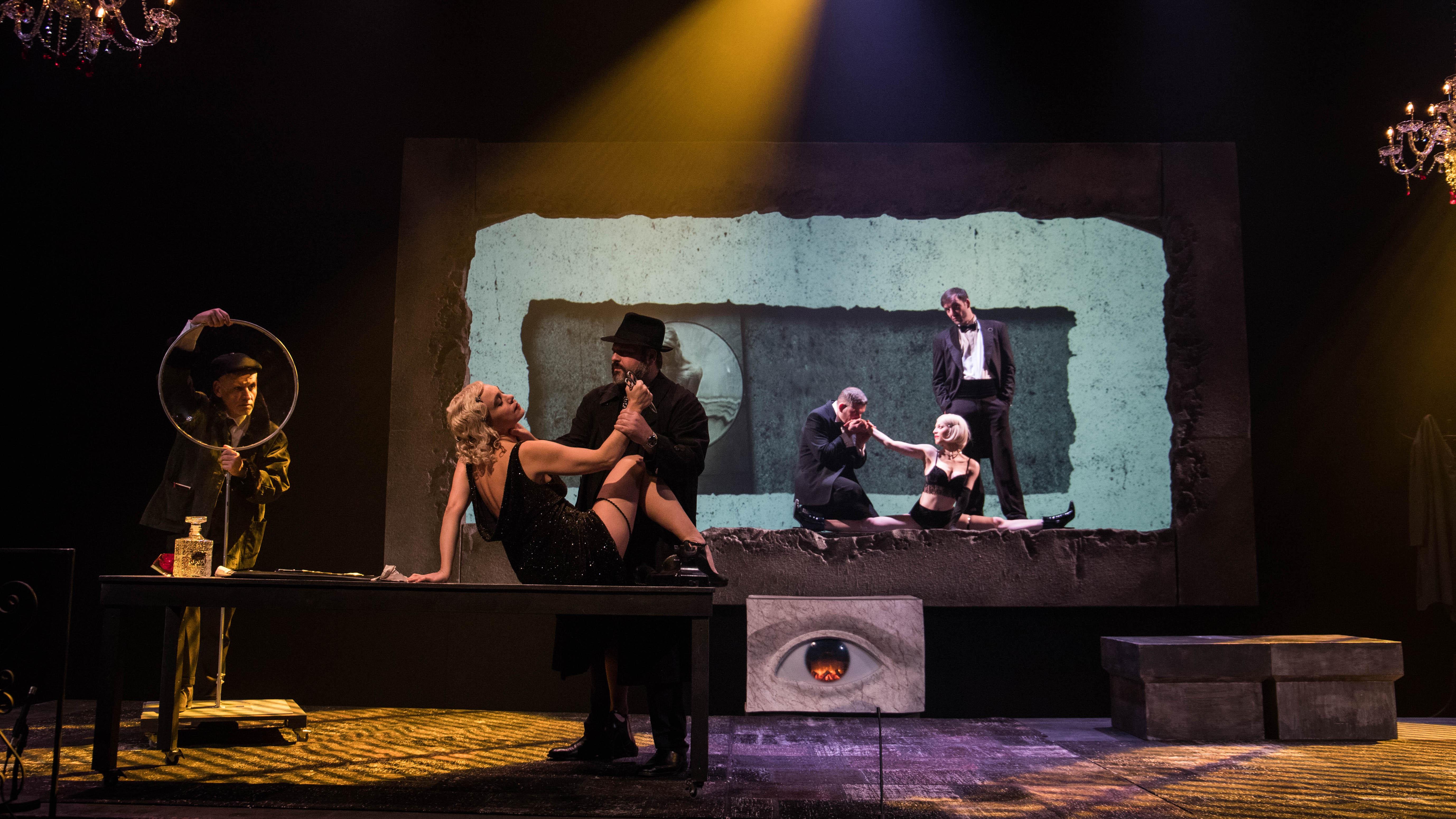 """ΣτοΘέατρο Κιβωτός παρακολουθήσαμε το """"ΤοΤέλειο Έγκλημα"""" ή αλλιώς, τη θεατρική μεταφορά του""""Dial M for Murder"""""""