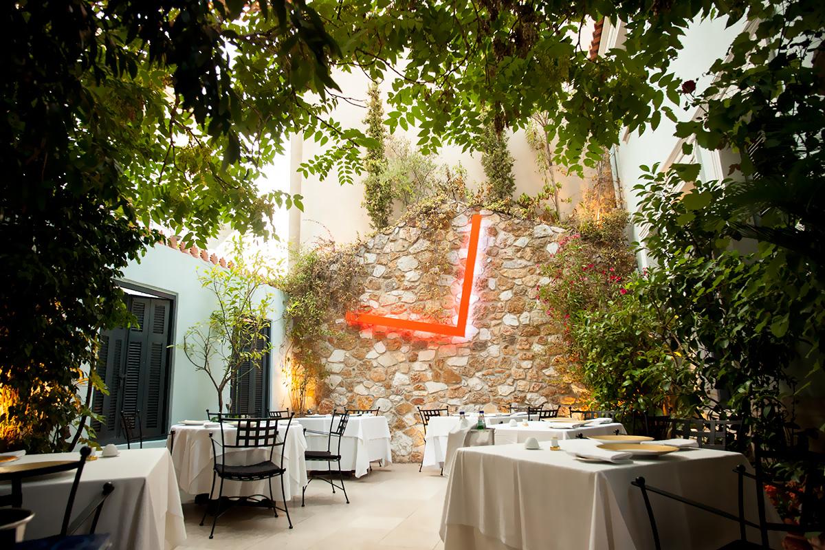 η Σπονδή συγκαταλέγεται στα κορυφαία εστιατόρια της Ελλάδας